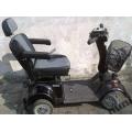 Elektryczny wózek inwalidzki typu skuter EASY